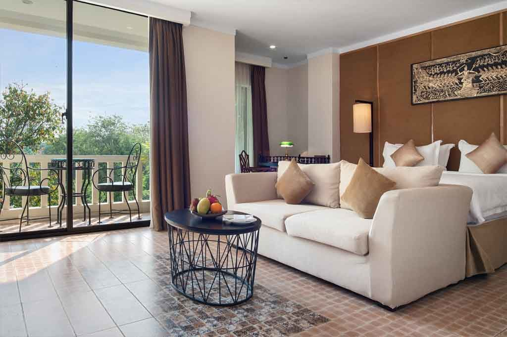 Royal Suite Double with Balcony - Pool View